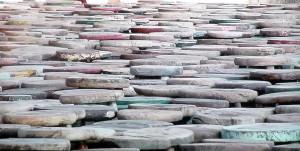 6000 tabourets de bois